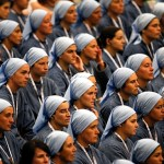 Pope offers future priests, nuns how-to guide to happy vocation