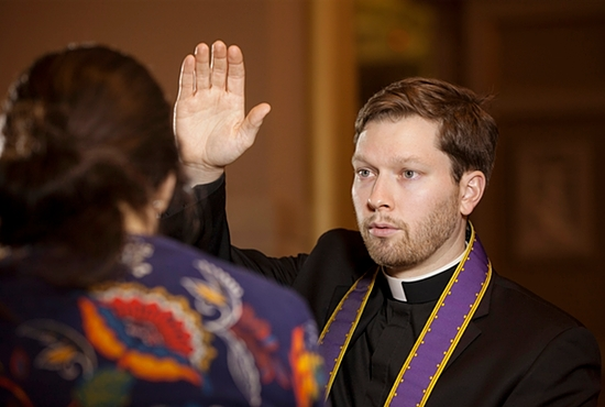 Plan to celebrate the sacrament of penance and reconciliation with a firm commitment to reform your life and to live with your eyes focused on when Christ returns to be the judge of the living and the dead. CNS photo/Nancy Phelan Wiechec