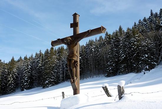 wintercrucifix