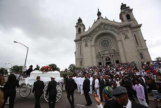 Philando-Castile-after-funeral-2