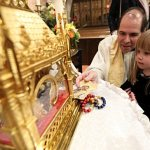 Hundreds venerate St. John Vianney's incorrupt heart, pray for renewal in the Church