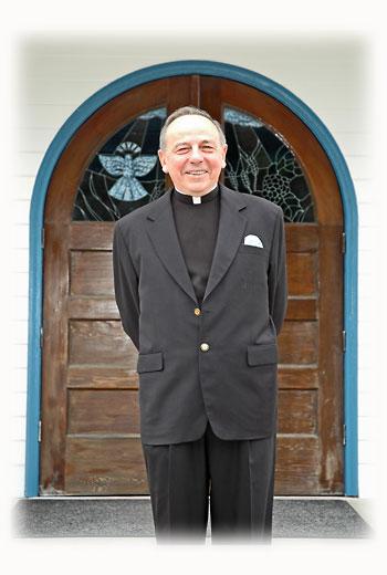 Fr-Lou_Nichols