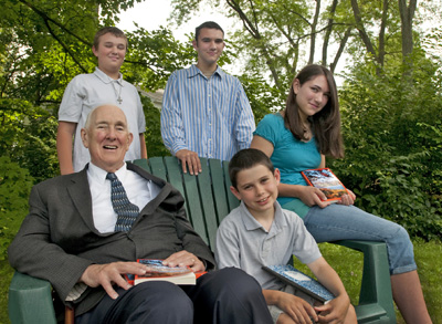 Sam_Donnelly_and_grandchildren