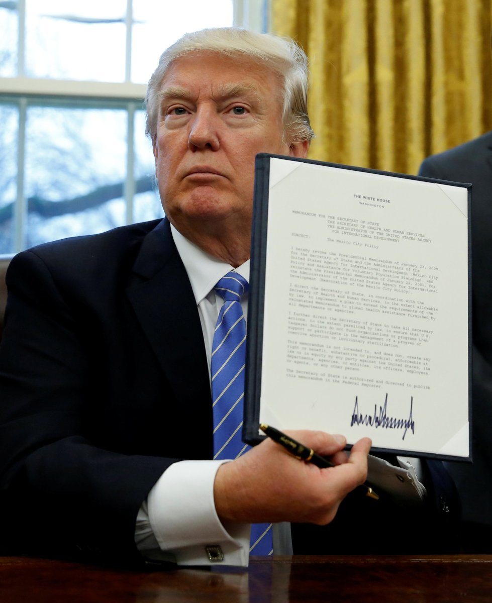 Trump executive order reinstates 'Mexico City Policy' on abortion