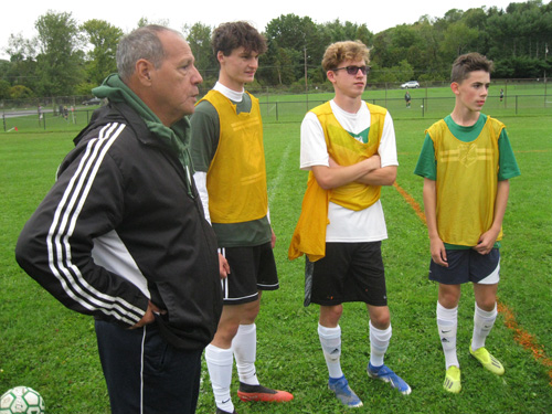 Oscar with 3 players - Coach V and the way to be