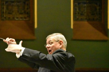 Dr. Rudari good - Concert glories in 'the magic of Christmas music'