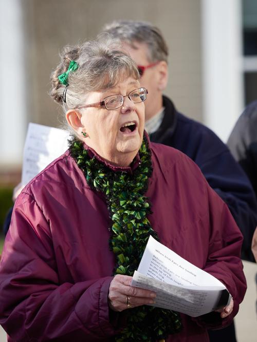 3160593 - Baldwinsville parish choir members bring special concert to sisters