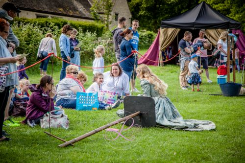 Sulgrave Manor Medieval Jousting Show 2017 - Medieval Tudor Wedding - Jousting Tournament with The Cavalry of Heroes - Saying hello to the Princess