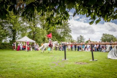 Sulgrave Manor Medieval Jousting Show 2017 - Medieval Tudor Wedding - Jousting Tournament with The Cavalry of Heroes - The Golden Knight Marc Lovatt