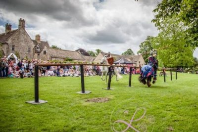 Sulgrave Manor Medieval Jousting Show 2017 - Medieval Tudor Wedding - Jousting Tournament with The Cavalry of Heroes - Knights jousting