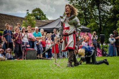 Sulgrave Manor Medieval Jousting Show 2017 - Medieval Tudor Wedding - Jousting Tournament with The Cavalry of Heroes - Hear The Golden Knight Roar