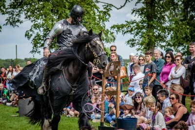 Sulgrave Manor - Medieval Tudor Wedding - Jousting Tournament with The Cavalry of Heroes - The menacing Dark Knight