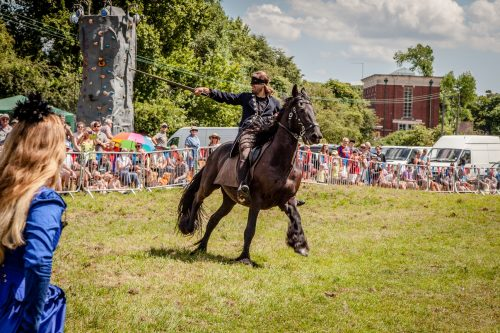 011 The Cavalry of Heroes performing Cavalry through the Ages Trick Riding Horse Show at Kinver Country Fair 2017 Romans, Knights and Highwayman on Horses