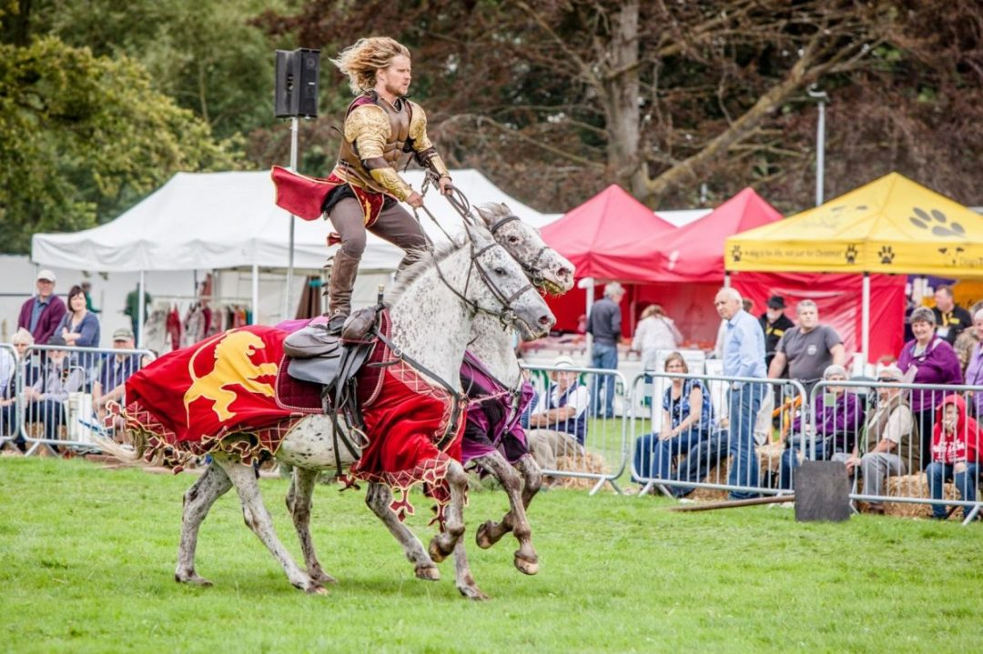 Sulgrave Manor - Medieval Tudor Wedding - Jousting Tournament with The Cavalry of Heroes - The Golden Knight Marc Lovatt