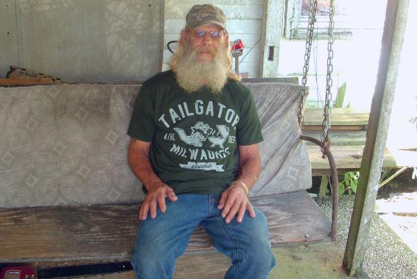 Swamp People cast Glenn Guist