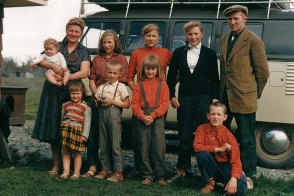 Yule Kilcher and his Ruth Weber with eight kids