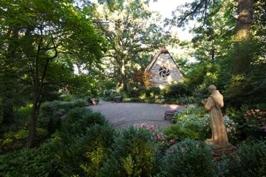 chapel garden sunny east pano 172_lzn.jpg
