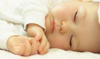 Baby milestones at 3 months
