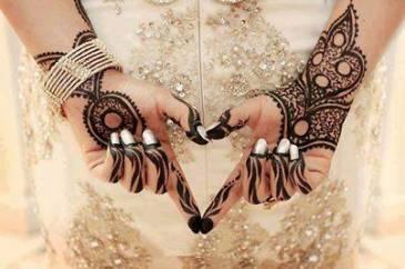 Karwachauth mehndi designs 12