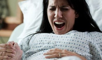 3 Disgusting things they never told me about delivering a baby