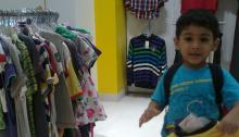 Shopping with kids 01