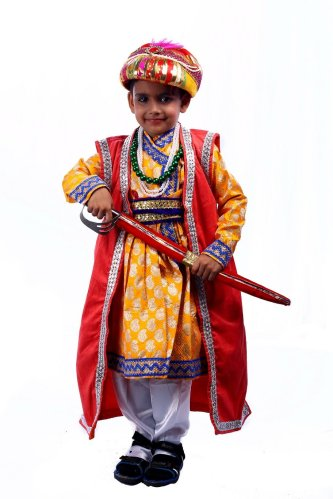 A kid dressed up as Akbar
