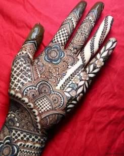 Mehndi designs for karwa chauth 43