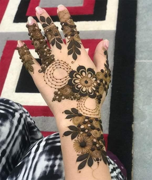 Eid Mehendi Design - Floral vine