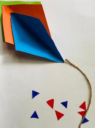 Easy Paper Craft - DIY Kite with small colored triangles