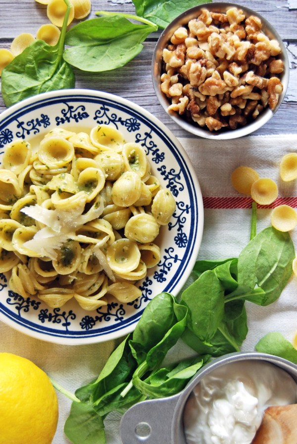 Orecchiette with Spinach Greek Yogurt Pesto | The Charming Detroiter