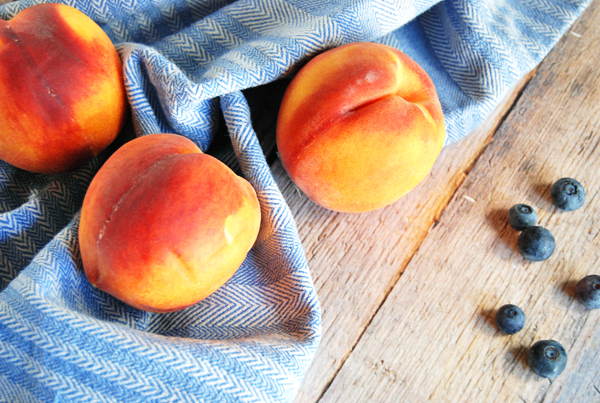 Blueberry Peach Mascarpone Popsicles | The Charming Detroiter