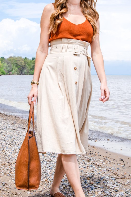 Today I'm sharing a look from Forever 21 that I'm just loving for the summer! I paired this linen midi skirt with a sweater tank, and some of my favorite summer staple accessories!