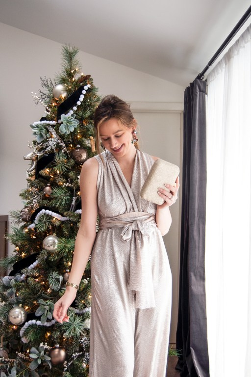 Tis the season for beautiful bold colors, faux fur and velvet, and glitter and gold! I'm sharing my top must-have dresses for the holidays on the blog today!