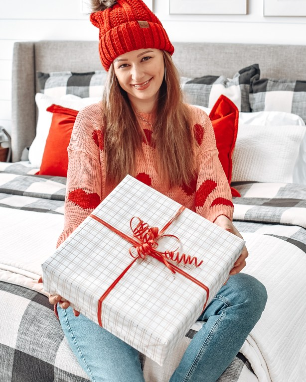 I'm celebrating romance today on the blog with my 2021 Valentine's Day luxury git guide, to help you find the perfect gift for the special lady in your life!