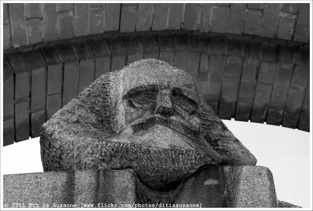 György Segesdi | Marx (1971). Boedapest | Budapest | Будапешт, 28-09-2011. Granit from Mauthausen, 1971. Original location: V. Jászai Mari tér.