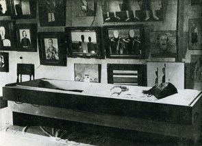 Malevich's body placed into Suetin's coffin, shortly after the artist's death (1935)