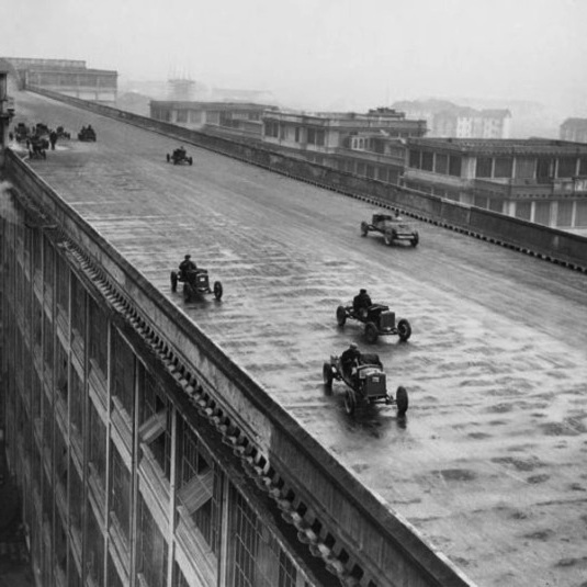 A rooftop racetrack: The Fiat Lingotto factory in Turin, Italy (1923)