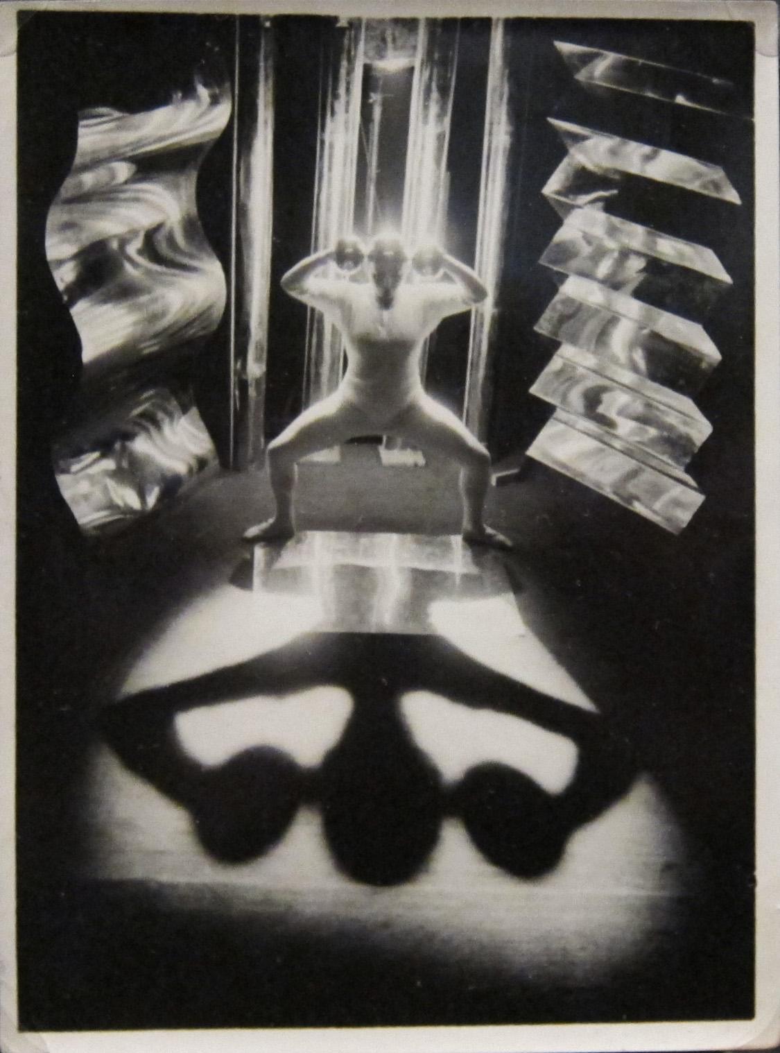 Bauhaus-costumes-5