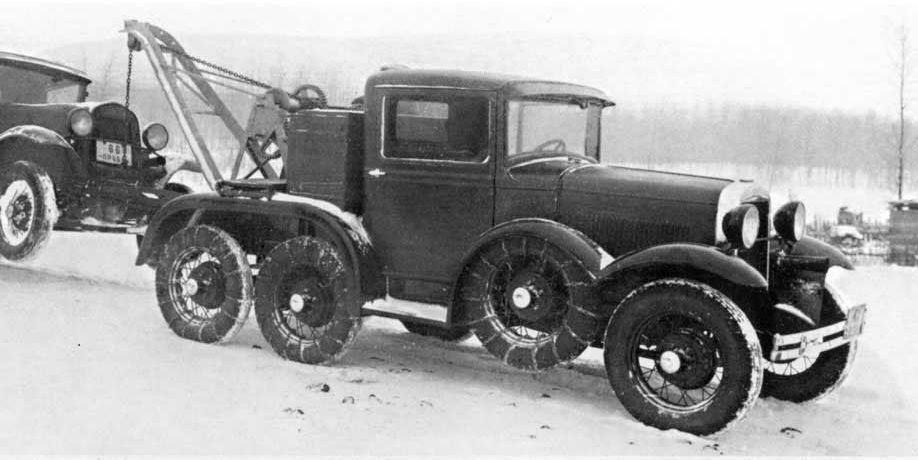 ГАЗ-АААА - одна из первых работ В.С.Грачева - был построен в 1936 году и, аналогично ГАЗ-ТК, базировался на узлах и агрегатах ГАЗ-А