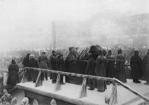 Pallbearers carry Lenin's casket.