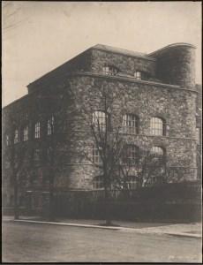 Hans Poelzig (1869-1936) Fabrik Sigmund Goeritz AG, Chemnitz (1924-1926) Ansicht, Details Foto Foto auf Karton 68,00 x 53,00 cm Inv.-Nr. 3122
