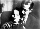 Nikolai Ladovskii and his son, 1932
