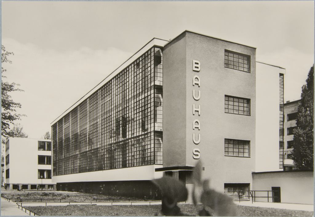 Unidentified photographer Bauhaus Building, Dessau, 1925-1926 m