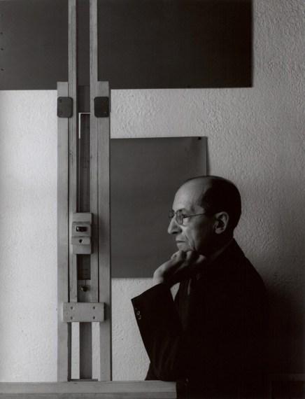 'Piet Mondrian, painter, New York 1942