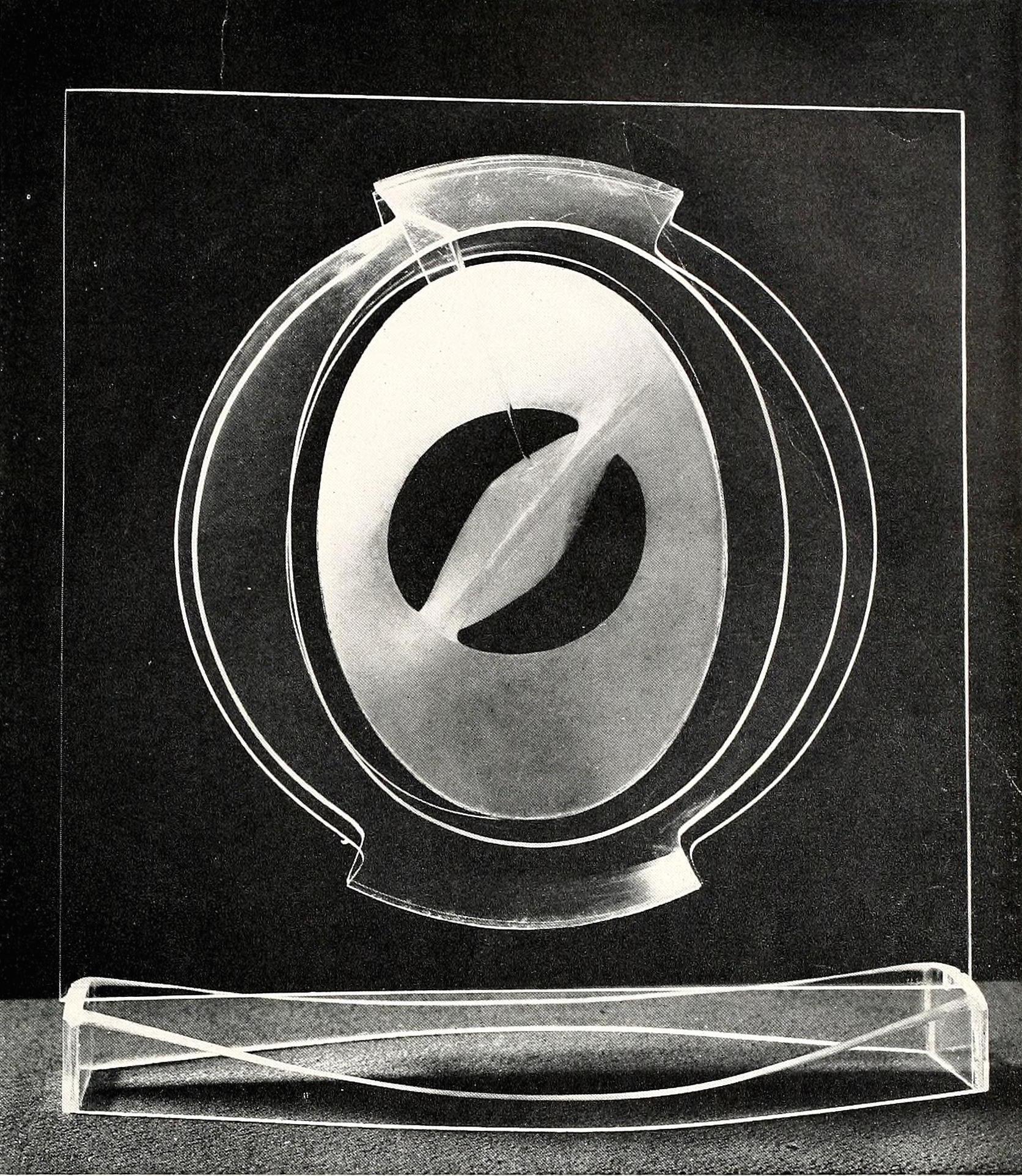 "Antoine Pevsner, construction with alabaster carving (1938-1939), plastic and alabaster, 15"" high"