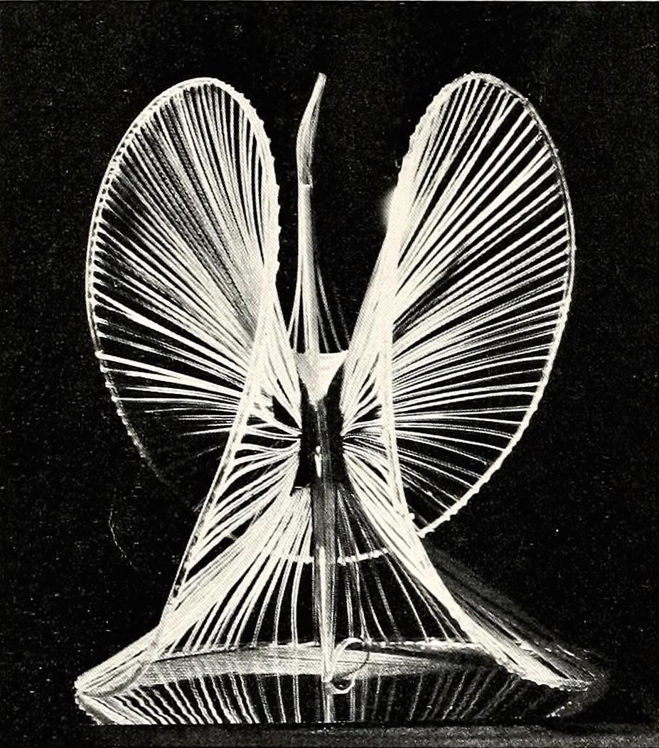 Naum Gabo, sphere construction of a fountain (1937) plastic 16 inches high2