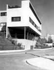 """Robert Bothner, Stuttgart- """"Arbeiter-Wohnhaus"""" von Le Corbusier in der Weißenhofsiedlung, Rathenaustraße 1-3, 1930"""