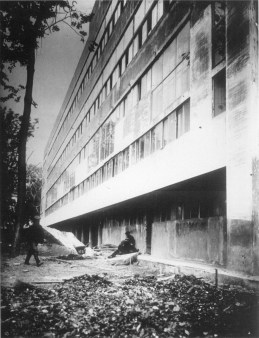 View of the west façade during construction 1929