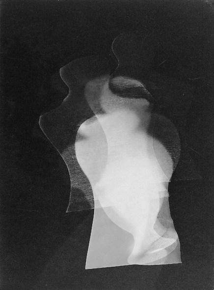 Laszlo Moholy-Nagy (1895 - 1946) Sans titre 1925 Photomontage, épreuve gélatino-argentique sur papier satiné cartonné 23,9 x 17,8 cm