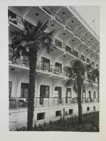 Meyer, Hannes Exterior view of New Riviera Sanatorium for employees of the People's Commissariat of Military Affairs, Sochi, Soviet Union (now in Russia), 1935